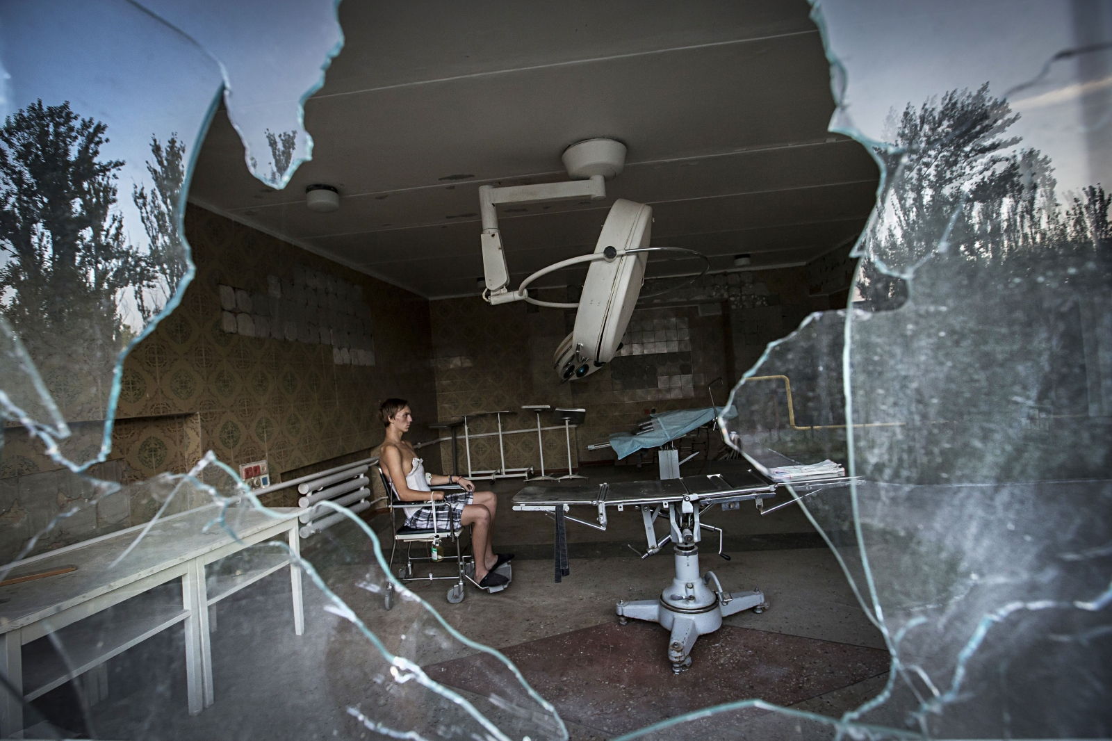 Art and Documentary Photography - Loading DmitriBeliakov-Ukraine_019.JPG