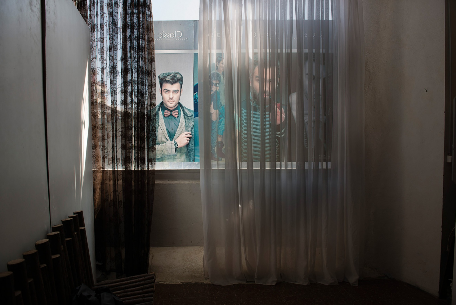 KABUL, AFGHANISTAN | 2015-04-21 | Inside a small photo studio in Karte 3 neighbourhood, a group of young fashion photographers have come together to organize the first male modelling agency. Hundreds of young afghan men showed up to the audition and only 20 made the cut.