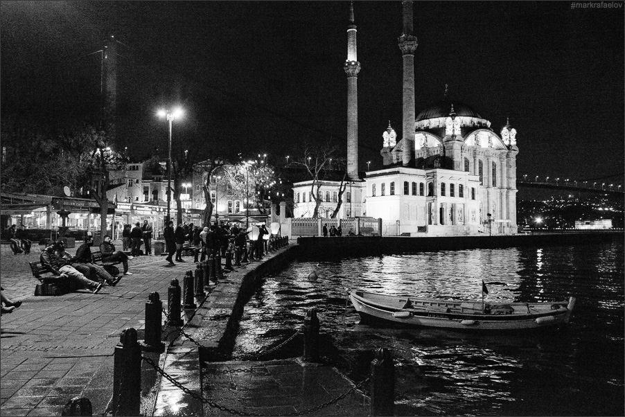 Art and Documentary Photography - Loading Istanbul_markrafaelov-4.jpg
