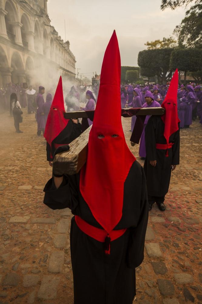 Art and Documentary Photography - Loading SEMANASANTA_ANTIGUA_LEPIZ_002.jpg