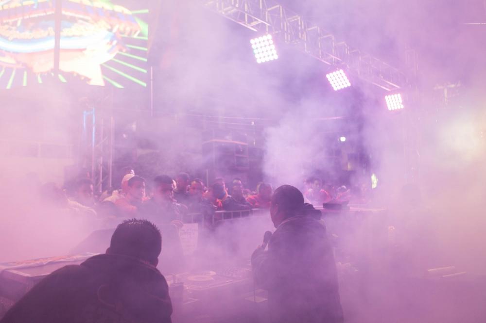·Sonido Sonorámico sending shout-outs to the fans in annual anniversary party of Bosques de Aragon neighborhood. A ragón, Mexico City. February, 2015. // · Sonido sonorámico mandando saludos a los fansen la fiesta anual de Bosques de Aragon. A ragón, Mexico D.F. Febrero, 2015