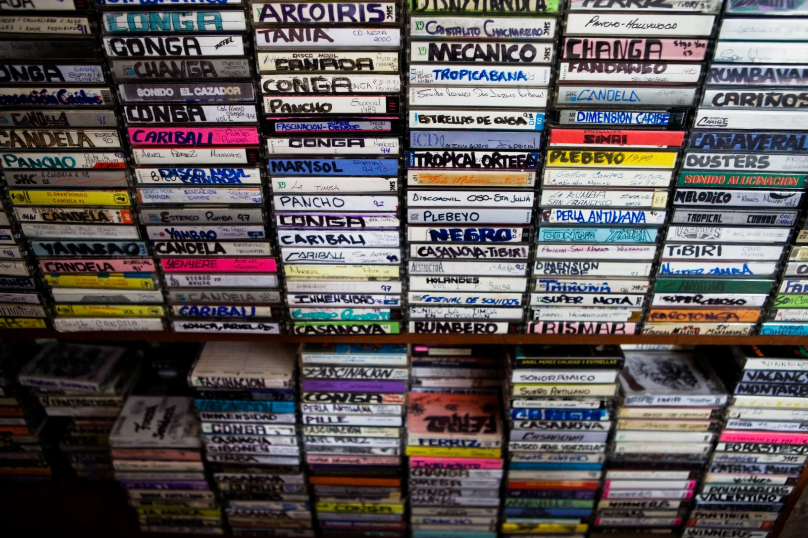 ·Personal collection of cassets of Luis Sanchez, fan and collector of Sonidero´s posters, music and paraphernalias. Huixquilucan, Mexico State, February 2013. // · Colección personal de cassettes de Luis Sanchez,  fan y coleccionador de posters, musica y parafarnalia Sonidera.Huixquilucan, Edo. Mexico, 2013.