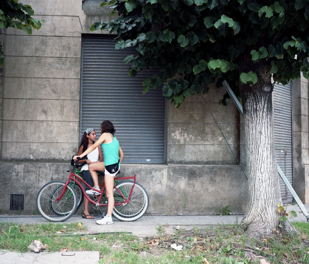 Art and Documentary Photography - Loading chicasenbici.jpg