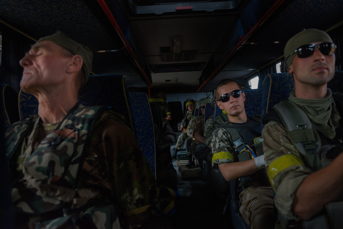 On the way to Illovaisk. Plans to rondevous with Right Sector and the army were called off. Many in Battalion Donbas do not trust the ability of the Ukrainain army leadership. The battalion will not participate in operations it does not feel are safe.