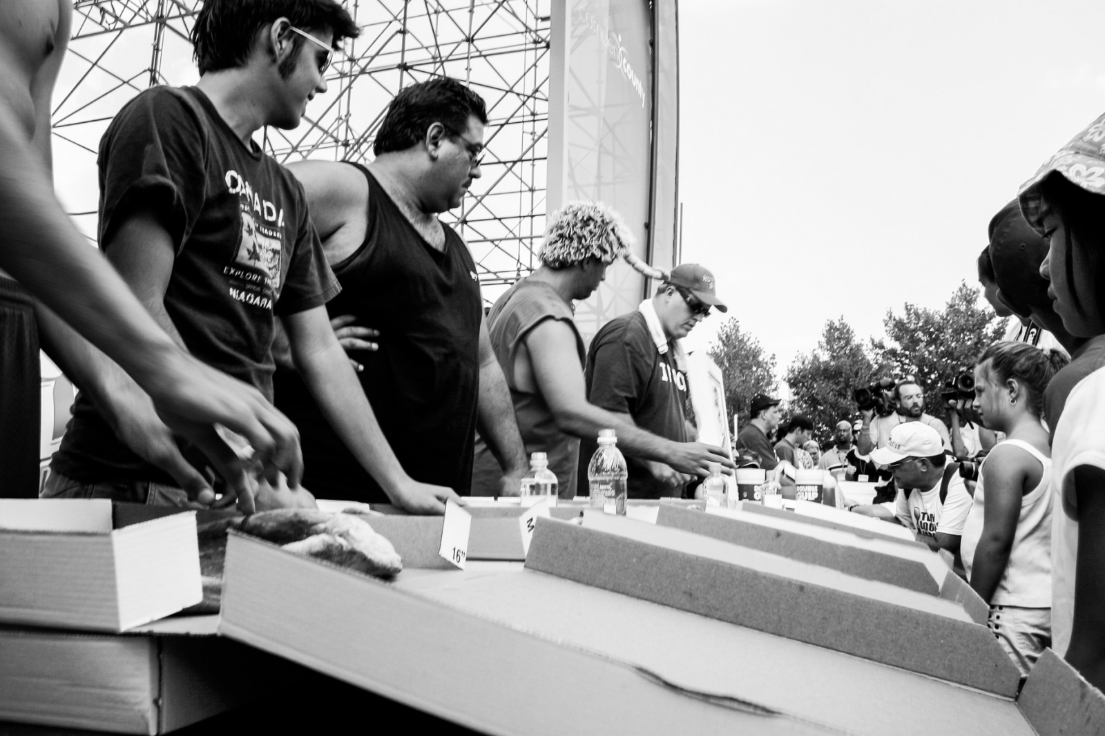 Art and Documentary Photography - Loading pizza-005.jpg