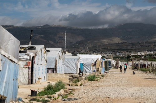 Small refugees settlements are scattered across the border region.