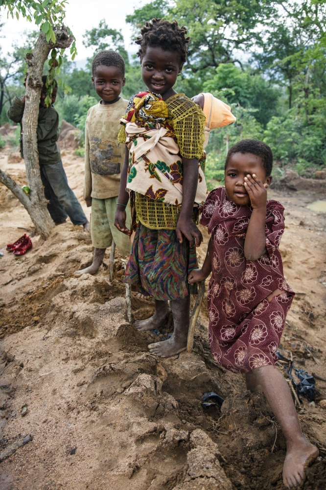 Art and Documentary Photography - Loading Nathalie_Bertrams_The_Forgotten_People_35.jpg