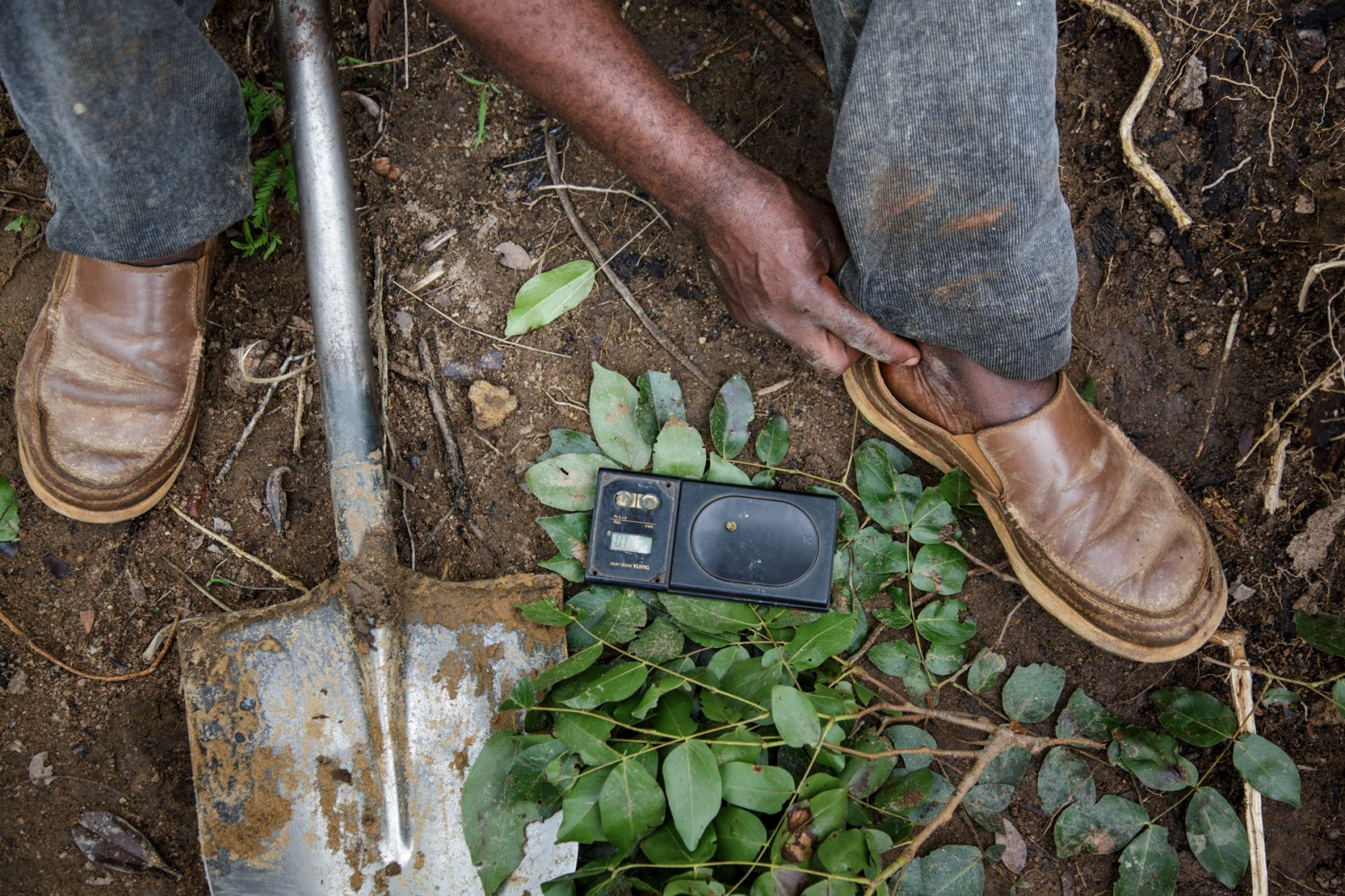 Art and Documentary Photography - Loading Nathalie_Bertrams_The_Forgotten_People_37.jpg