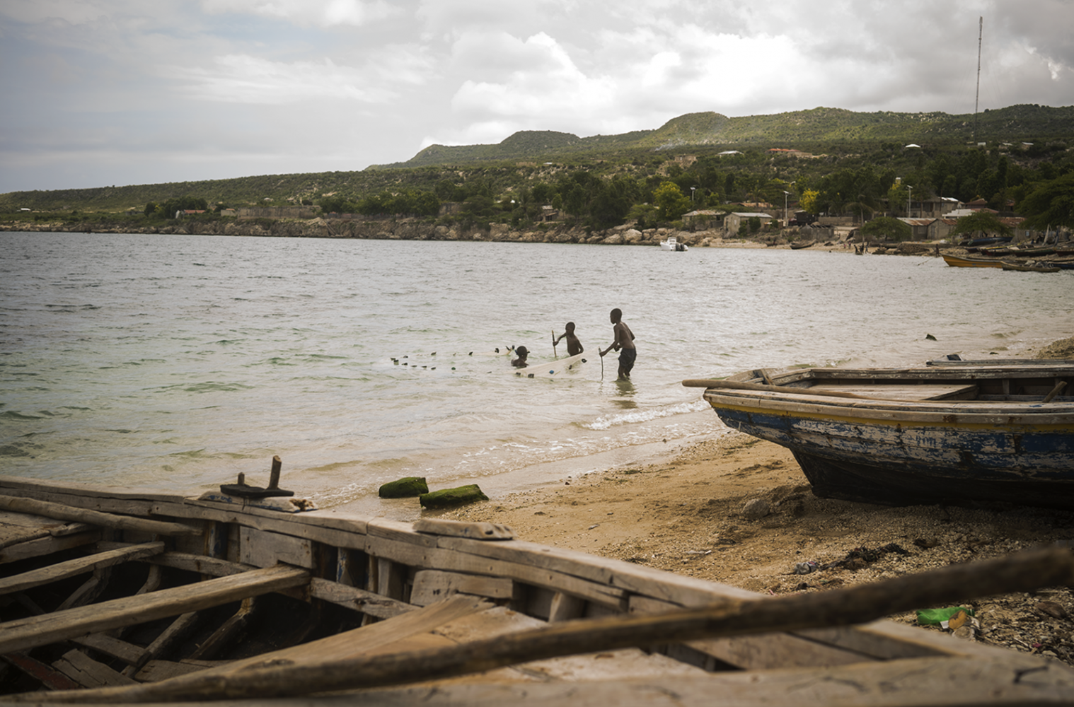 Art and Documentary Photography - Loading fishing_boys_DSC8998.png