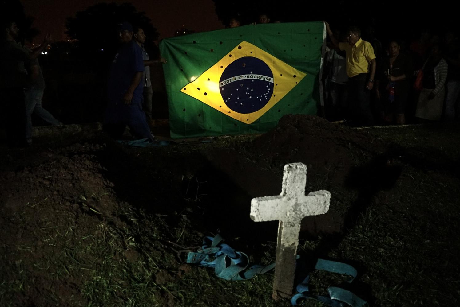 Art and Documentary Photography - Loading Brazil2014-2016_(24_de_26).jpg