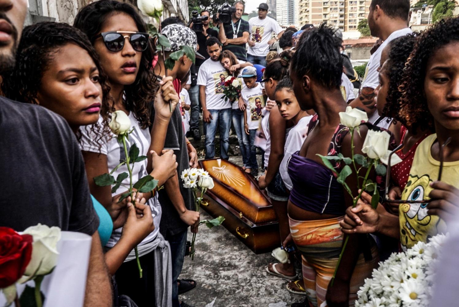 Art and Documentary Photography - Loading Brazil2014-2016_(21_de_26).jpg