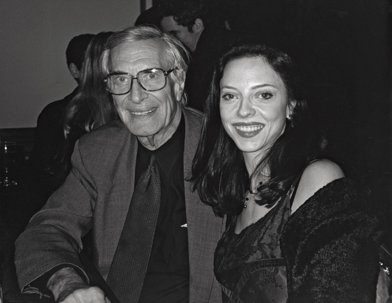 MARTIN and JULIET LANDAU  Premiere of Tim Burton's  Sleepy Hollow,  Hollywood, California 1999