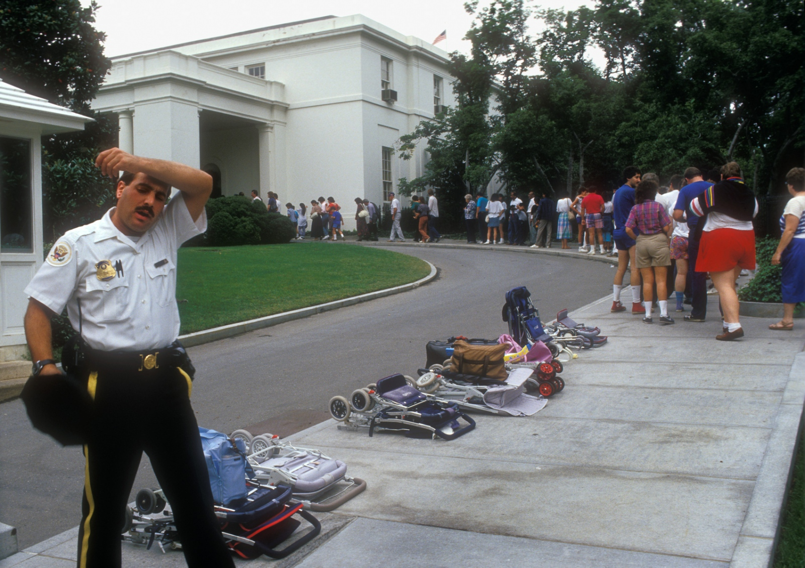 More than 6,000 visitors stream into the White House each day.