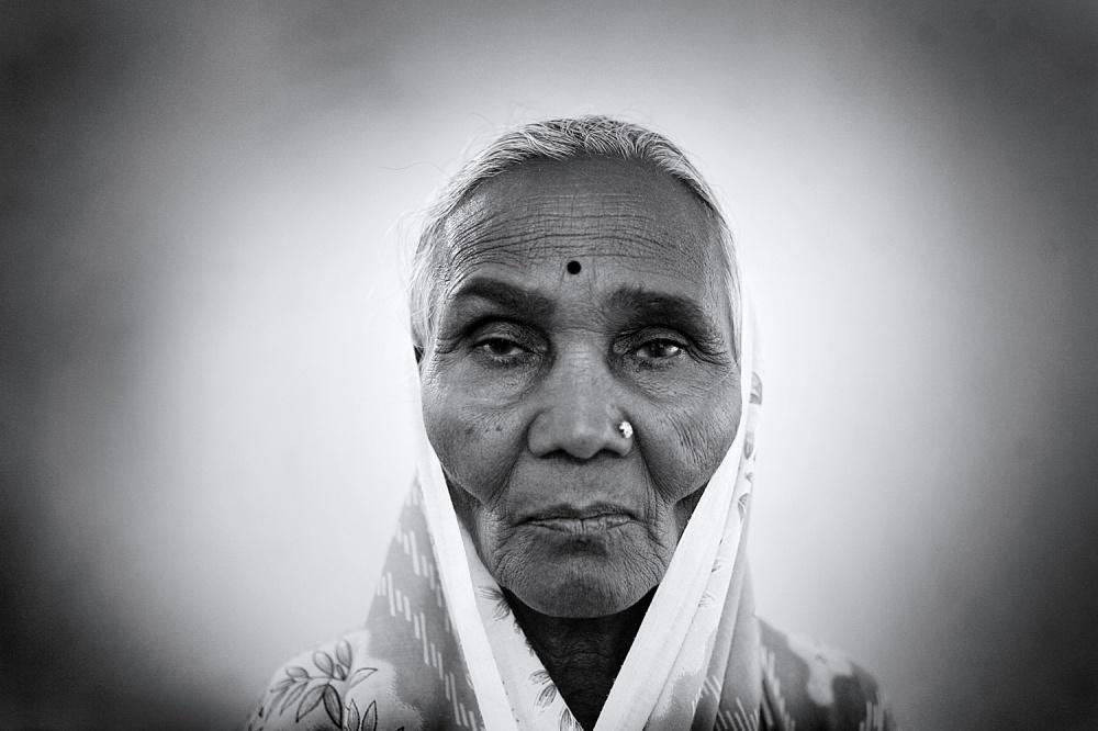 Art and Documentary Photography - Loading a.jpg