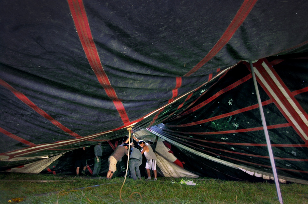Art and Documentary Photography - Loading 058_tent_raising.jpg