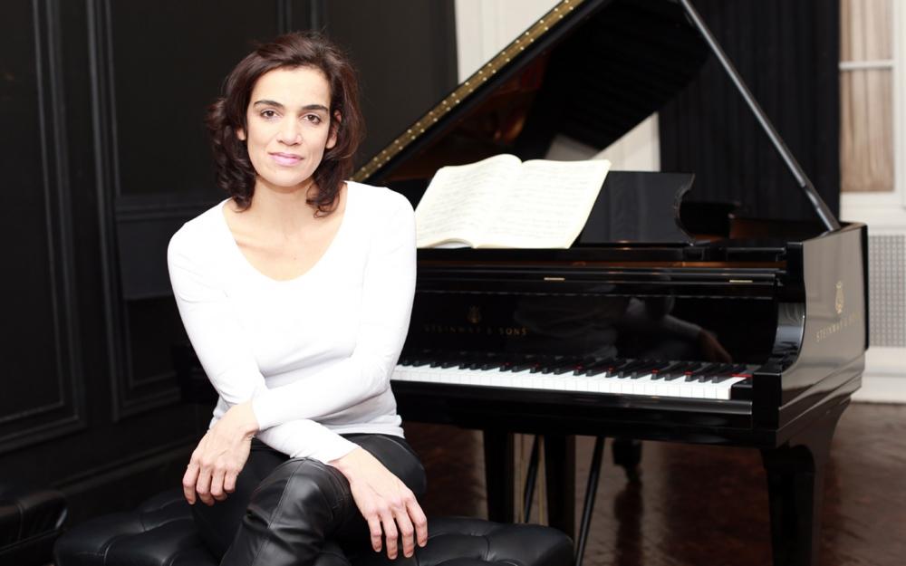 Simone Leitão - Pianist