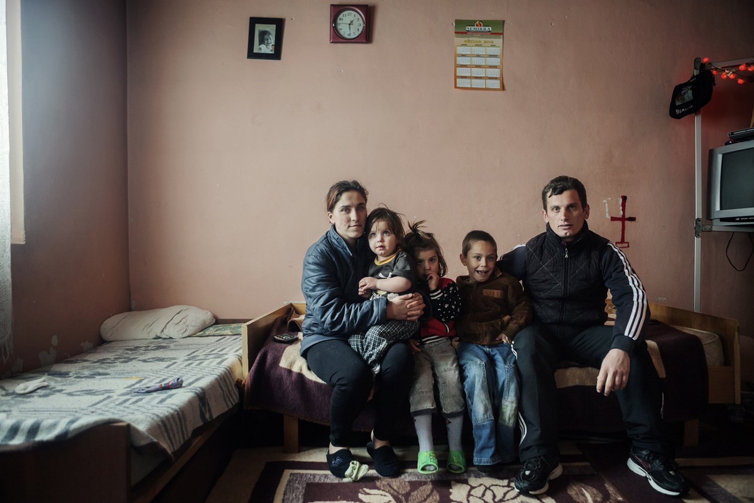 Kosova, Kline, 2012: Mark Coli is seen with his wife and 3 of his 5 sons. Mark lives in a little village near Kline and he is unemployed.