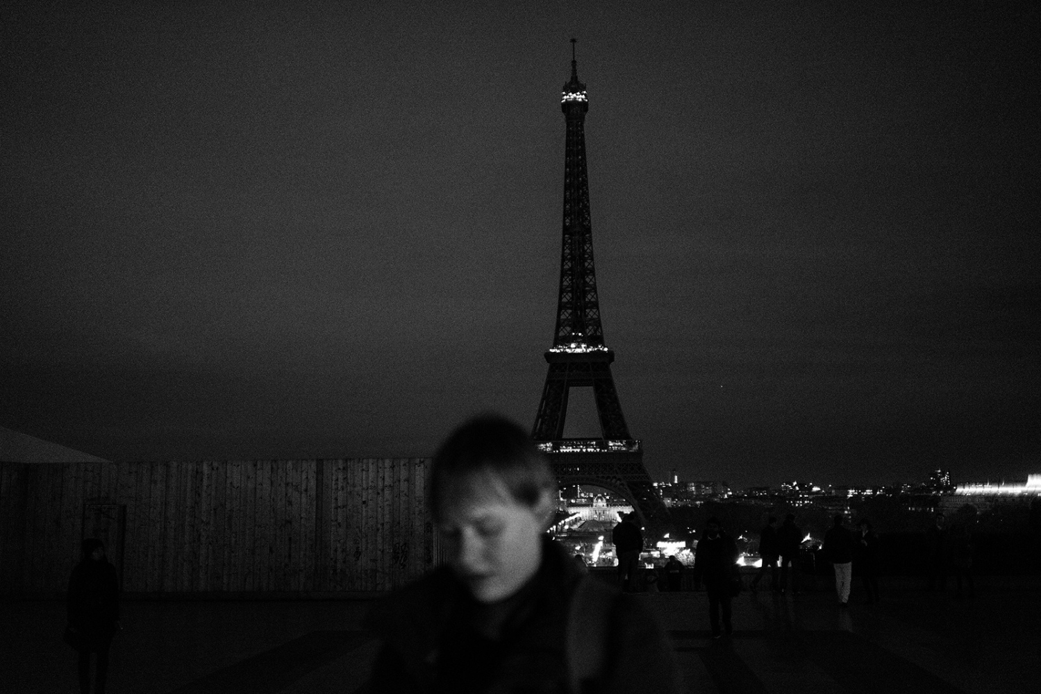 Eiffel Tower turns out its lights as mark of respect to victims. Paris, France, Place du TrocadÈro et du 11 Novembre. 14.11.2015.The aftermath of the terrorism attacks in Paris on 13.11.2015.