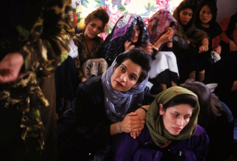 Kabul, 1998. Women at a childbirth class.