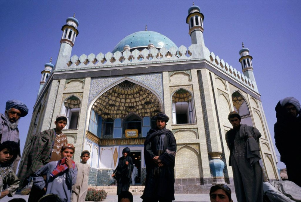 Kandahar, 2000   Residents and Taliban stand in front of the main mosque in Kandahar.