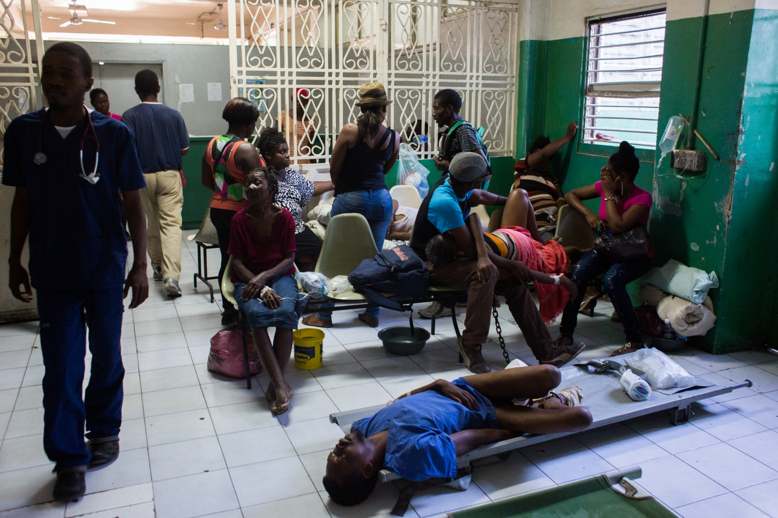 Art and Documentary Photography - Loading hopital_g__n__ral_port-au-prince-2.jpg