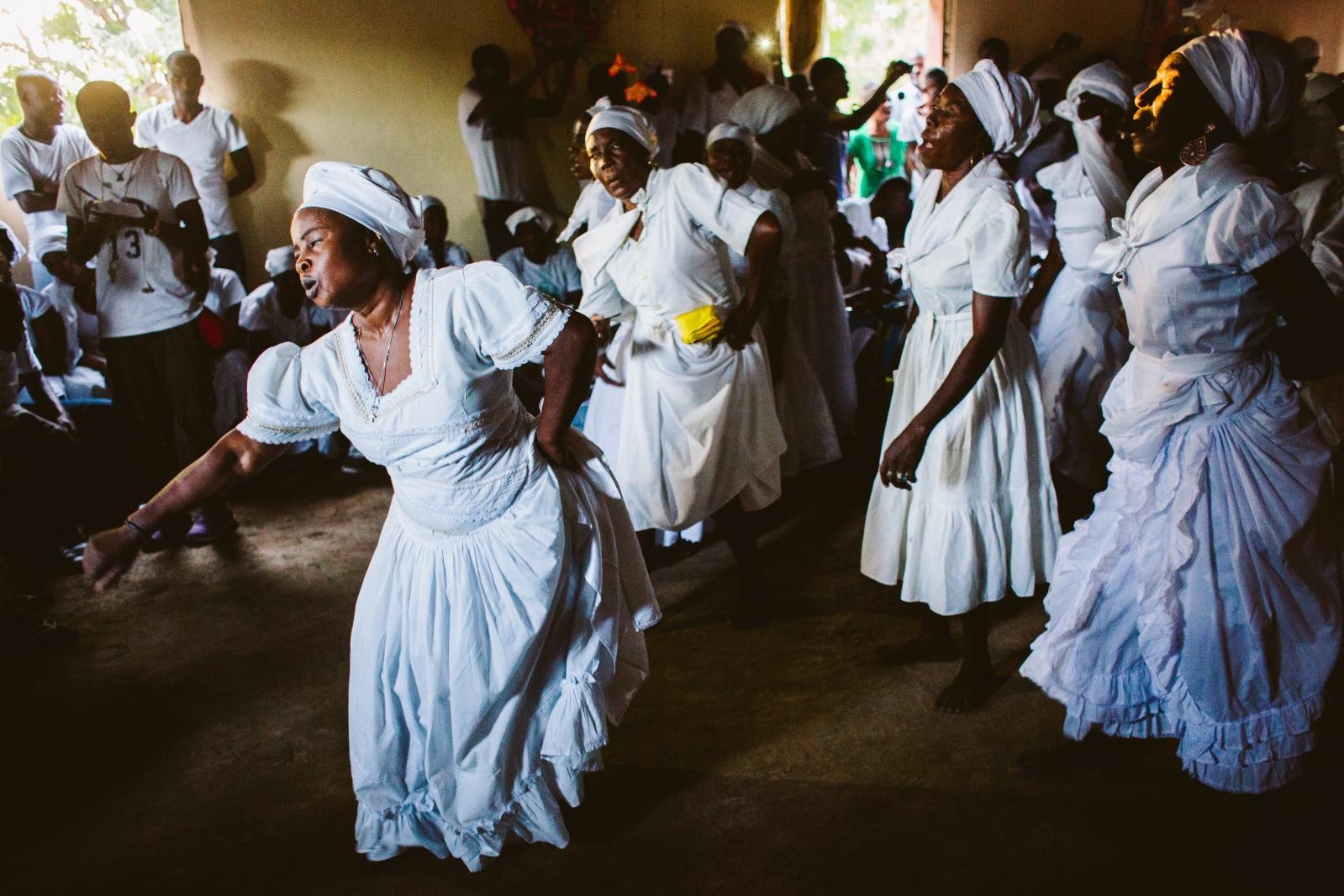 Art and Documentary Photography - Loading f__te_des_rois_vaudou_haiti-6.jpg