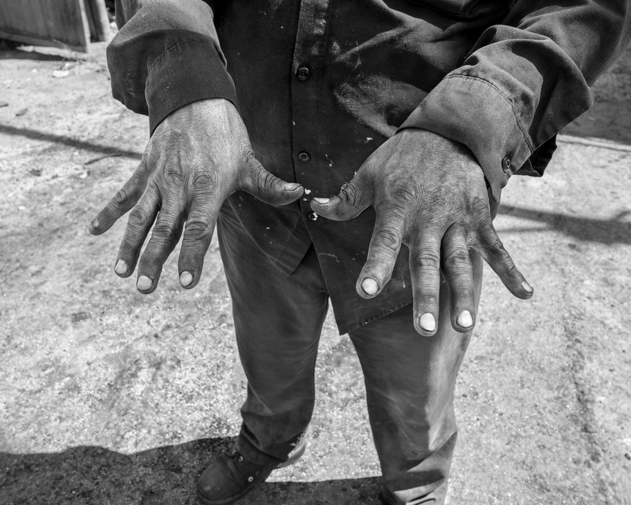 Art and Documentary Photography - Loading Part_Carbon_Part_Iron.jpg