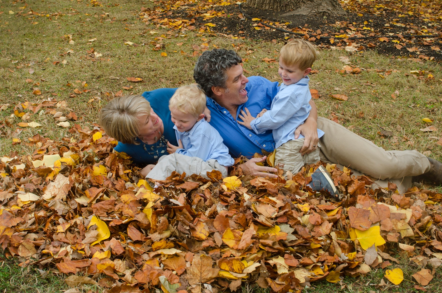 Art and Documentary Photography - Loading Family_leaves.jpg