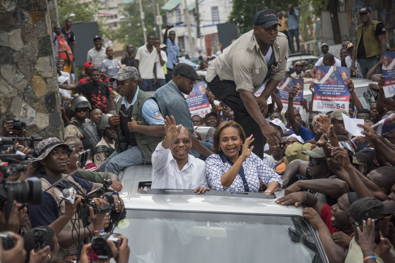 Former haitian President Jean Bertrand get back...