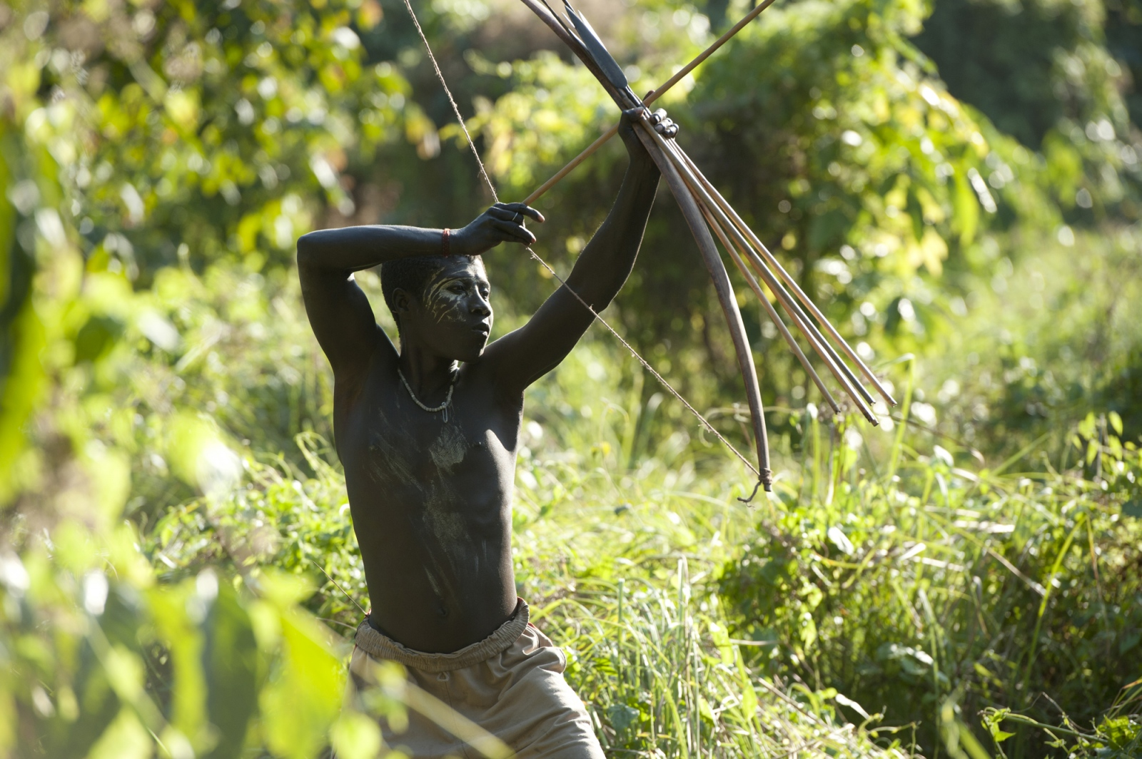 Art and Documentary Photography - Loading jarawa_beilvert_hunter.jpg