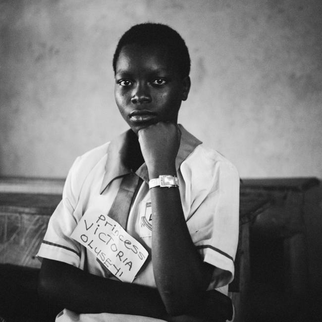 Photography image - Loading NigerianGirls_TianaMarkova-Gold_002.jpg