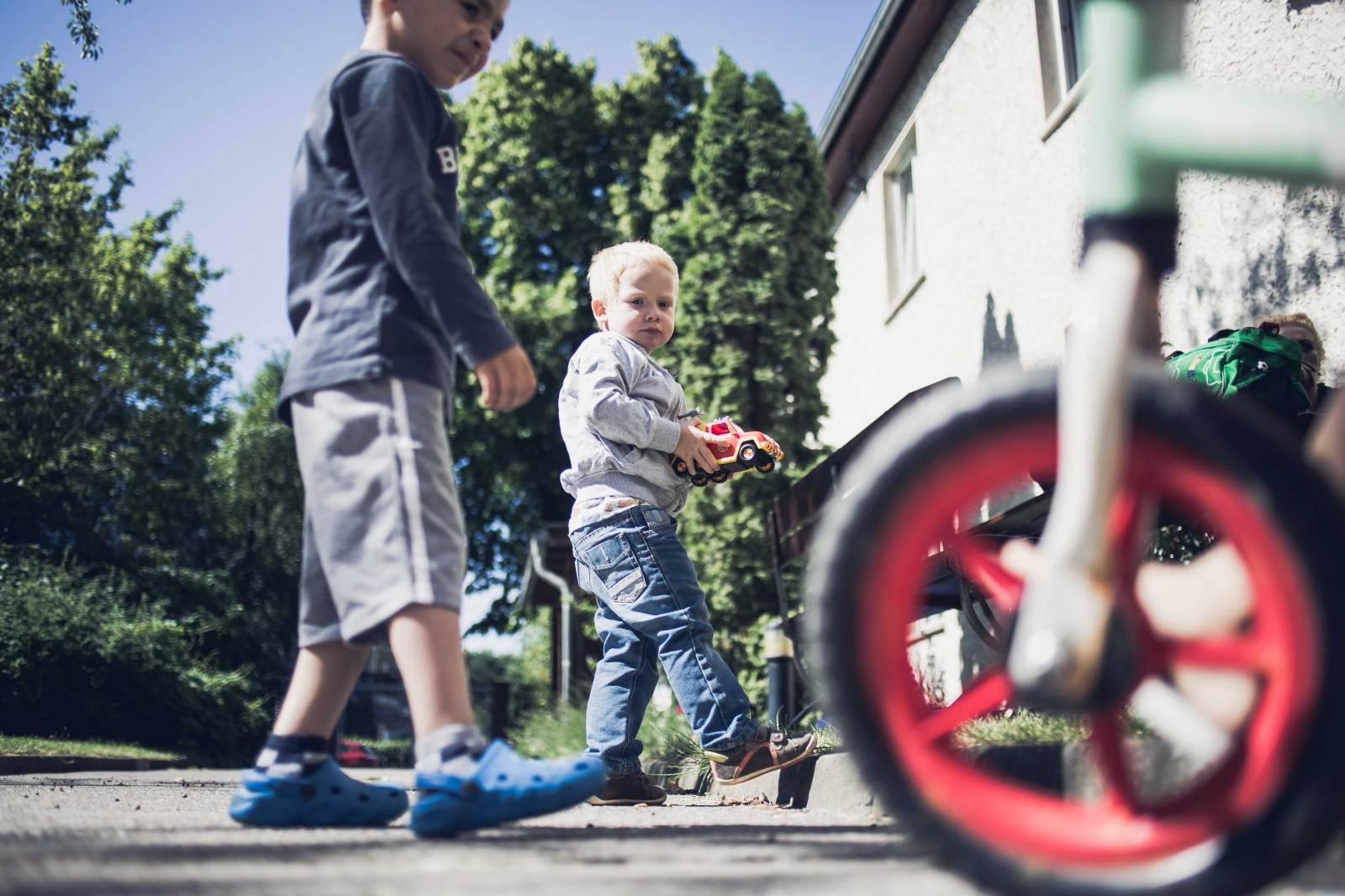 Oskar B., 3, plays with other kids at a safe house for women who have been subject to domestic violence. According to WHO 25% of German women have experienced sexual and/or violent assault in their relationships. Berlin, GERMANY, June 9, 2016.