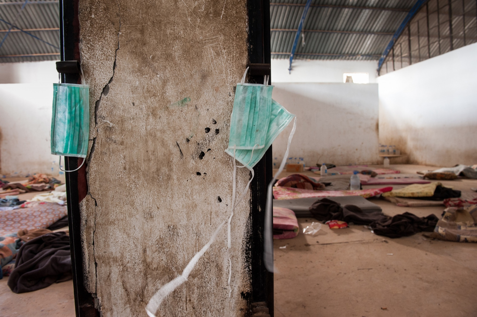Art and Documentary Photography - Loading libya_refugee_beilvert_detention_camp.jpg