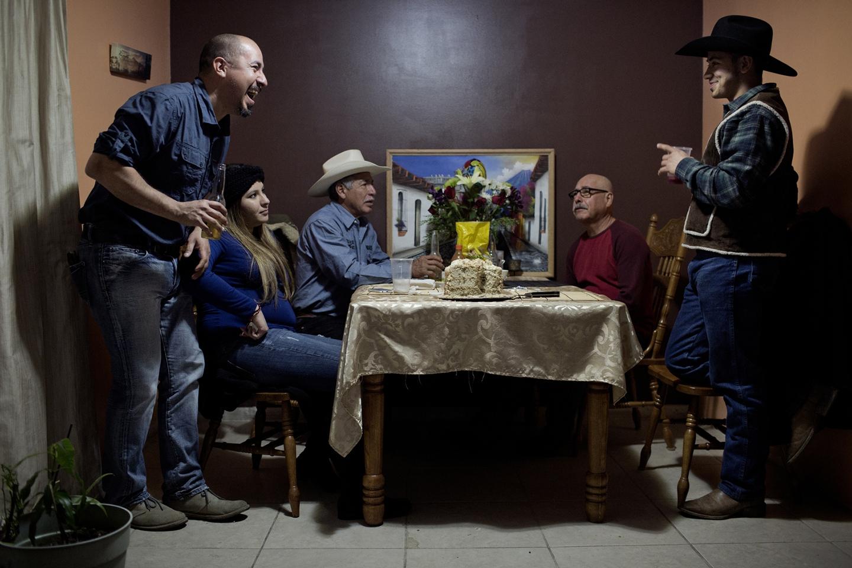 Art and Documentary Photography - Loading Latino_02.jpg