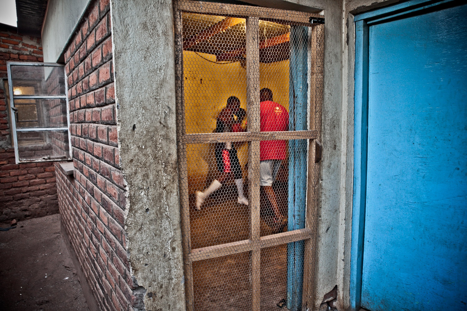 Art and Documentary Photography - Loading Outside_the_ring-07.jpg