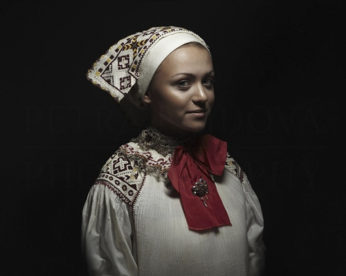 čepiec I headdress Čičmany    Photo Rag® Baryta, Hahnemühle 315g, limited edition     80 x 100 cm  of 23+2AP     40 x 50 cm of 48+2AP     20 x 25cm of 198+2AP      signed, dated and numbered, with a Certificate of authenticity