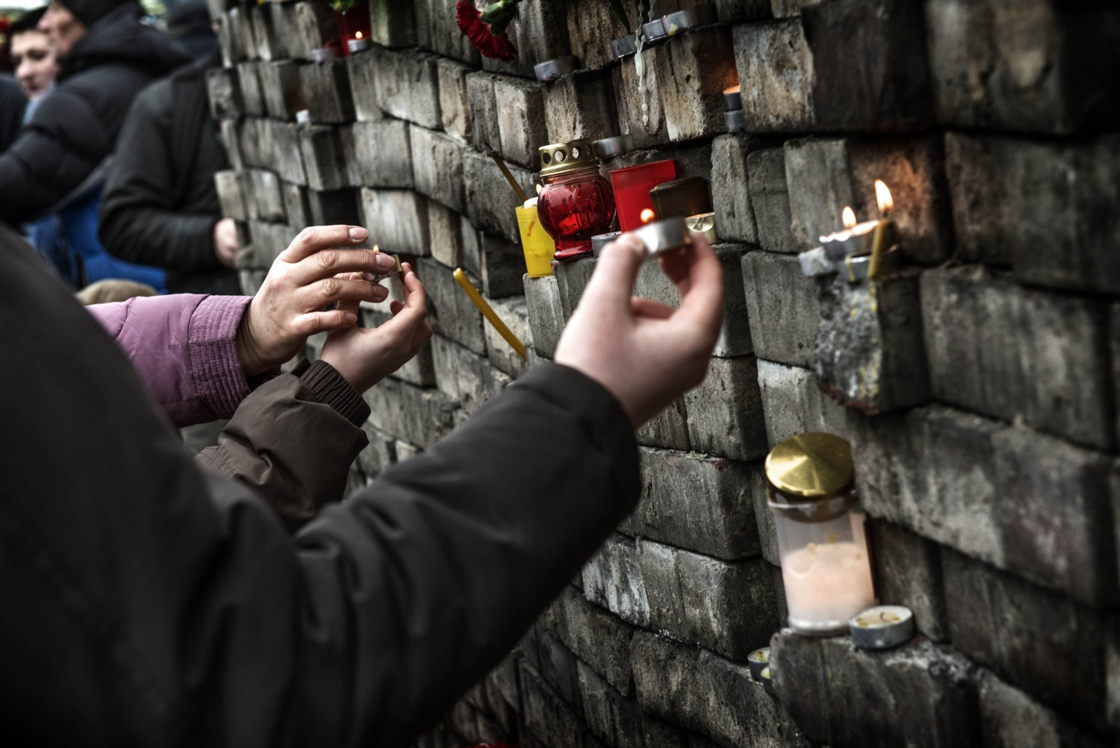 Art and Documentary Photography - Loading Behind_Kiev_s_barricades_078.jpg