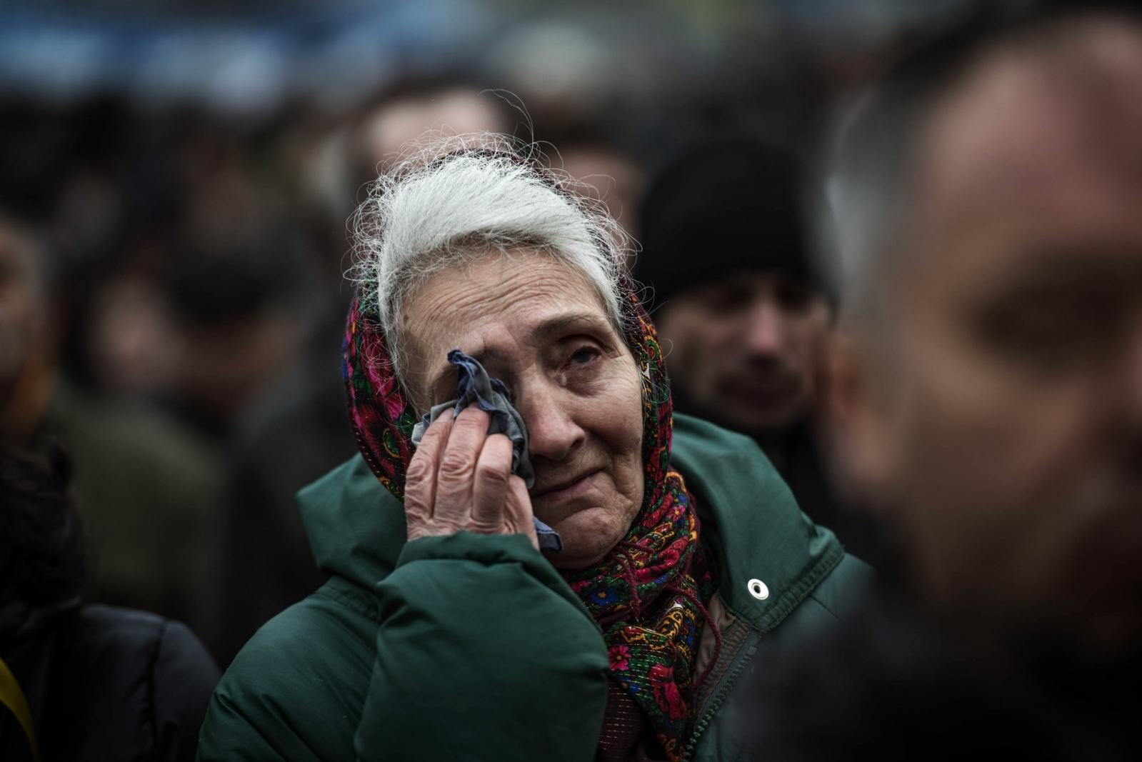 Art and Documentary Photography - Loading Behind_Kiev_s_barricades_090.jpg