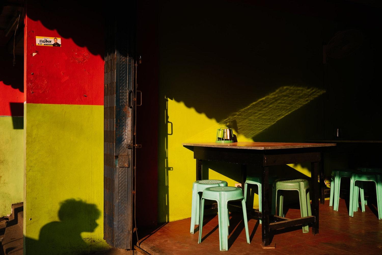 Art and Documentary Photography - Loading NowhereManila003.jpg