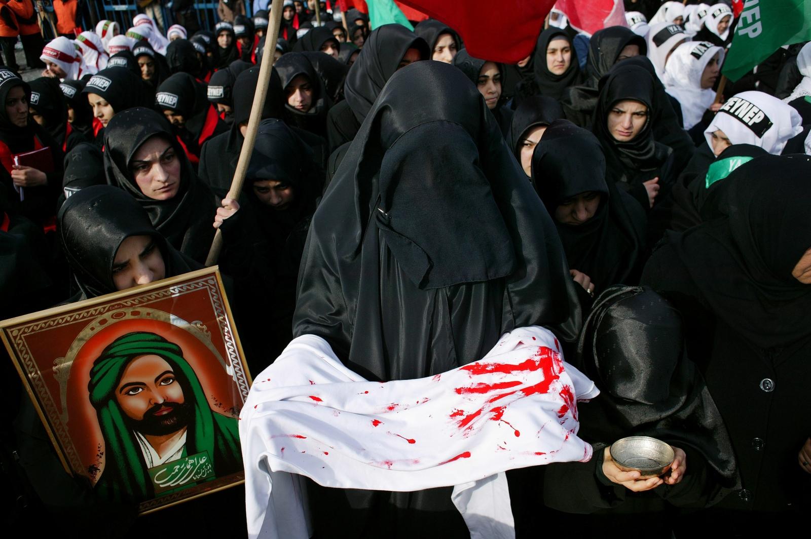 Shia Muslims gather for Ashura in the Zeytinburnu district of Istanbul.