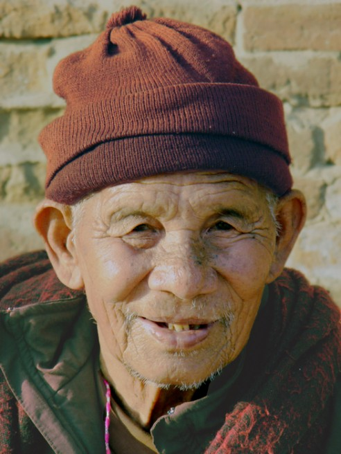 Art and Documentary Photography - Loading bhaktapur old guy.jpg