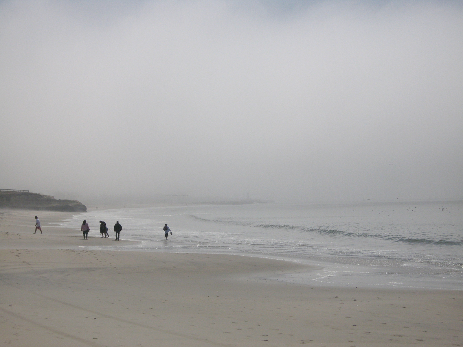 Art and Documentary Photography - Loading foggy_beach2.jpg