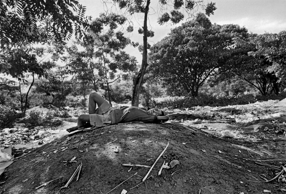 Art and Documentary Photography - Loading CAS_africas new tribe ORPHANS_003.JPG