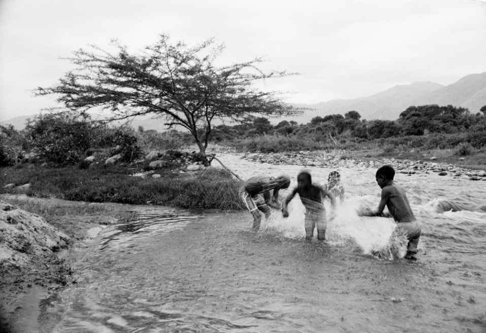 Art and Documentary Photography - Loading CAS_africas new tribe ORPHANS_009.JPG