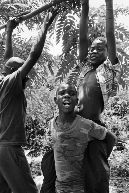 Art and Documentary Photography - Loading CAS_africas new tribe ORPHANS_010.JPG