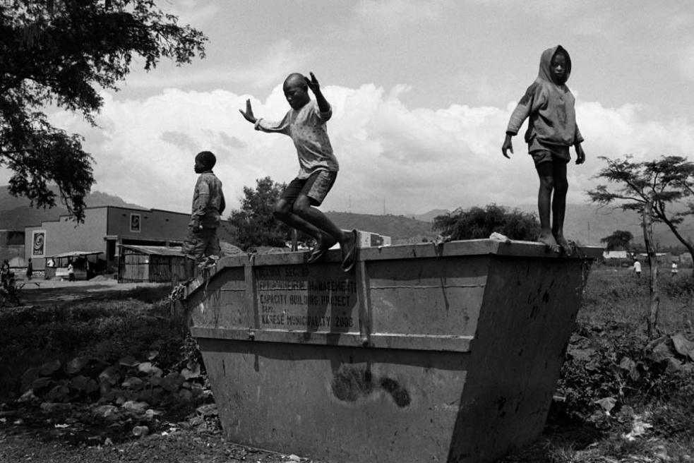 Art and Documentary Photography - Loading CAS_africas new tribe ORPHANS_014.JPG