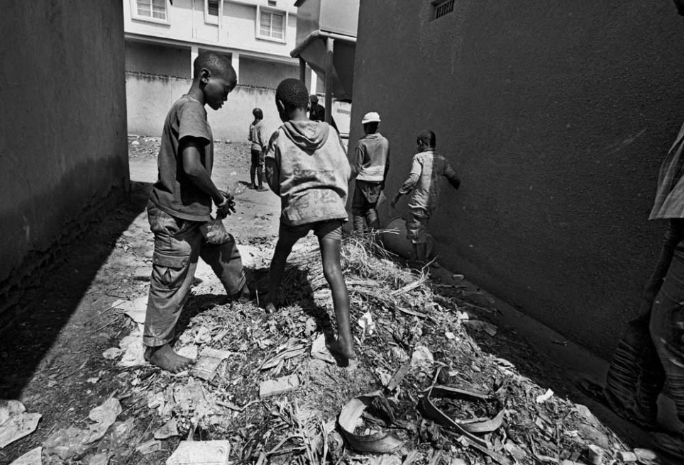 Art and Documentary Photography - Loading CAS_africas new tribe ORPHANS_015.JPG