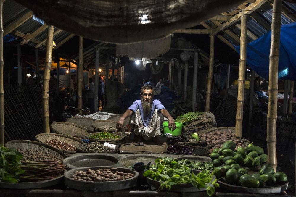 The large market of Debiganj town stays open well in to the night when locals from all over the countryside, inside and out of the enclaves, come to buy essentials. For thousands of enclave dwellers this is the nearest market for them.
