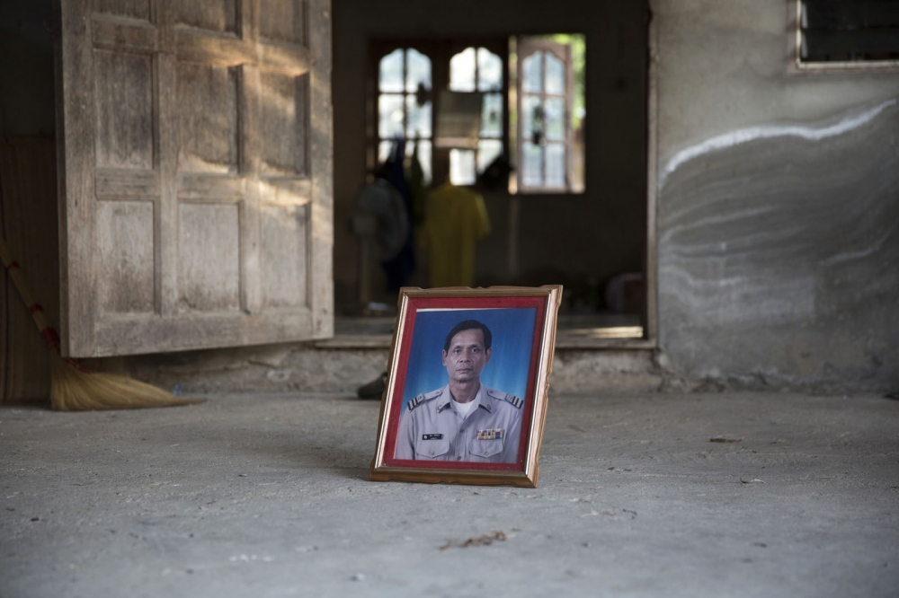 Supol Sirijant, 58, was shot dead in his home on 11 August 2004. He was the leader of the Mae Mok Community Forestry Network in Toen District of Lampang Province and was fighting against the illegal logging of a nearby community forest.