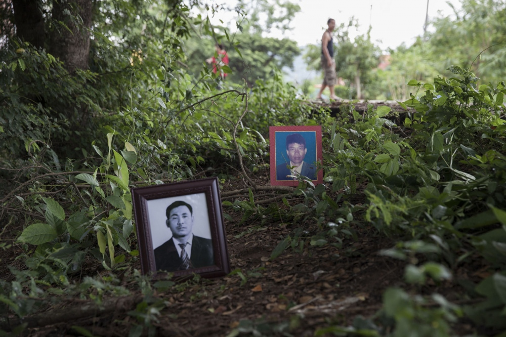 Som HOMPORNMA & Tongnuan KAMJEN Mr Som Hompornma (right) and Mr Tongnuan Kamjen (left) were shot dead at the same time on the edge of a road leading to the town of Suwan Khu Ha in Nong Bua Lam Phu Province on 22 April 1999. They were part of a group of villagers protesting the construction of a limestone quarry.